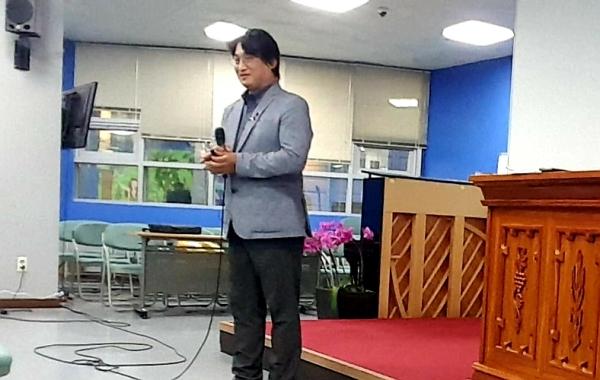 강의중인 한국아이티선교회 신바울선교사